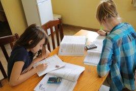 Girls_Schoolwork